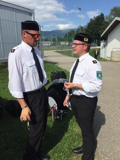 Günther und Philipp beim intensiven Fachsimpeln.