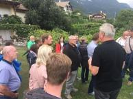 ...wo uns der Herr des Hauses viel Wissenswertes über den Weinanbau näher brachte...